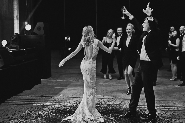 carriageworks_wedding_dan_oday_claire_oliver_australian_wedding_photographers_dan_oday_vogueweddings_vogue_carriageworks_weddings_sydney_carriageworks_sydney_030